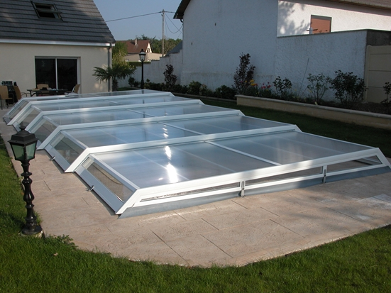 Abris piscine bas plat abri piscine et abri spa venus for Abri de piscine easy cover
