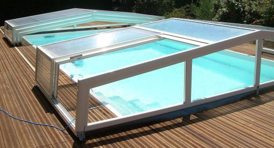 Large access for a low pool enclosure.