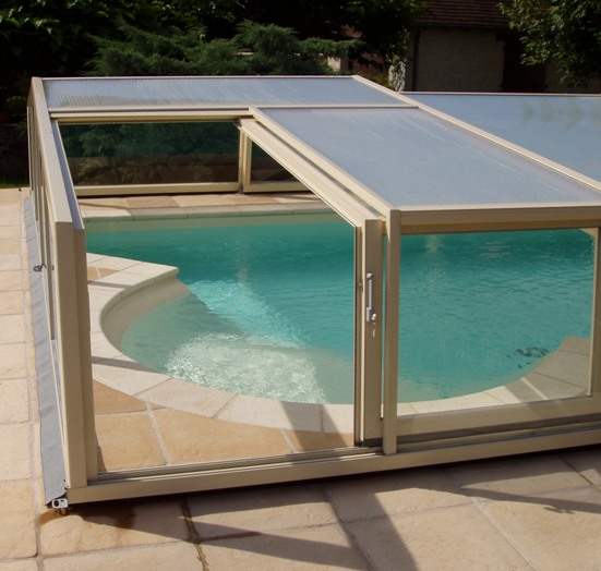 Abris piscine bas 3 angles abri piscine et abri spa for Piscine mobile prix