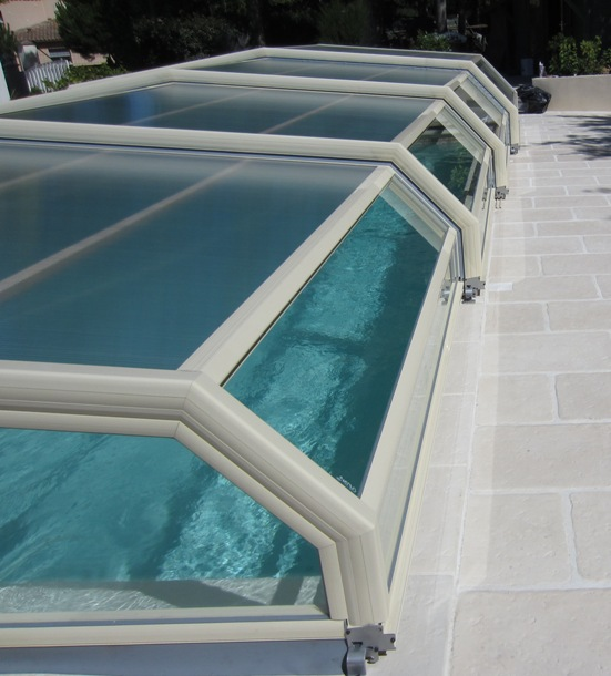 Side view of a low Ivory pool enclosure