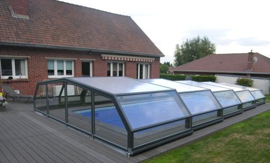 A light grey Pool enclosure