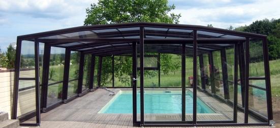 Abris piscine hauts 3 angles abri piscine et abri spa for Greenhouse over swimming pool