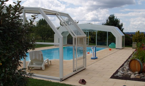 The 5 angle pool enclosure has ultra strength in the roof angle.