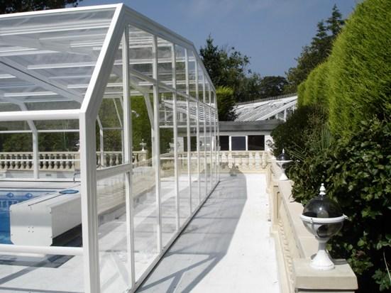 The modern 5 angle enclosure.