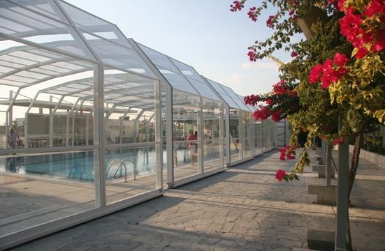 A 7 angle pool enclosure
