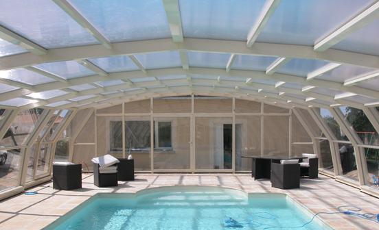 abris piscine hauts 9 angles abri piscine et abri spa venus international abris de piscine. Black Bedroom Furniture Sets. Home Design Ideas