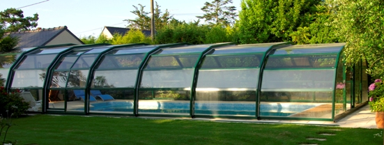 The side view of a 9 Angle Ondine in green.