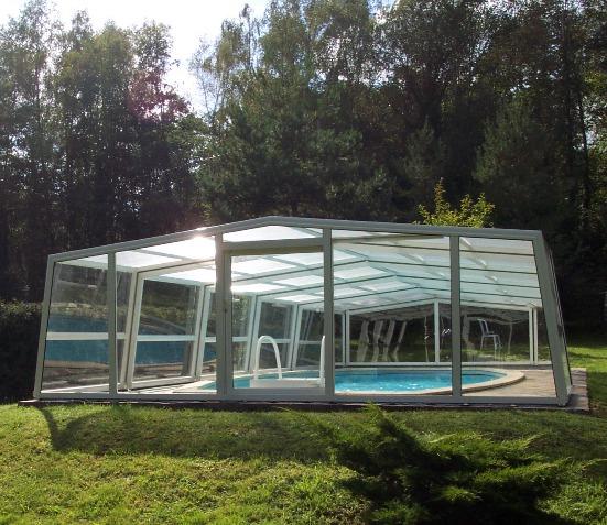 3 Angle enclosure in white: medium