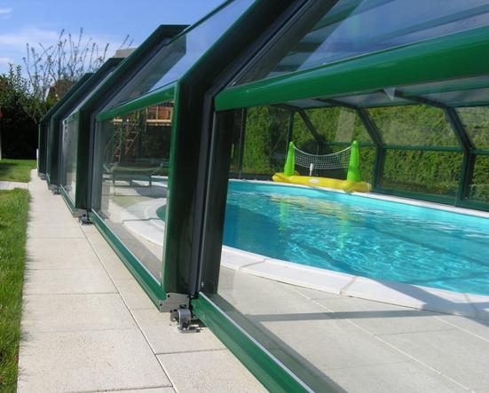 Abri piscine télescopique intermédiaire VENUS en 5 angles blanc : quelle finition